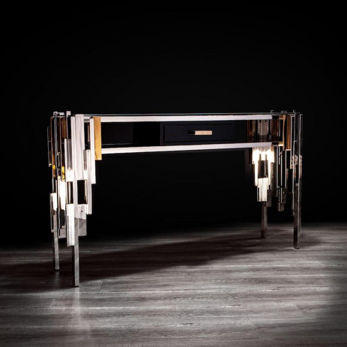 Illusion mirrored end table